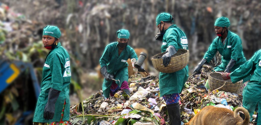 Saving environment through managing the waste properly Photo